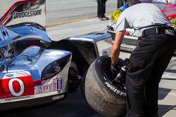 Changement de pneus pour la Deltawing
