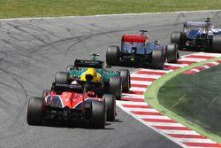 Valtteri Bottas, Williams FW35; Jenson Button, McLaren MP4-28; et Giedo van der Garde, Caterham CT03