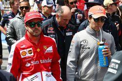 Fernando Alonso, Ferrari y Sergio Pérez, McLaren
