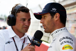 Will Buxton, NBS Sports Network TV Sunucusu ve Mark Webber, Red Bull Racing gridde