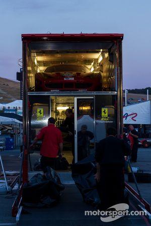 #62 no caminhão transportador