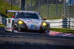 #12 Wochenspiegel Team Manthey Porsche 911 GT3 RSR (SP7): Georg Weiss, Oliver Kainz, Michael Jacobs,