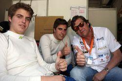 Pepe Oriola, SEAT Leon WTCC, Tuenti Racing, avec son père et son frère Jordi Oriola, SEAT Leon, Tuenti Racing Team