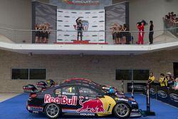 Racewinnaar Jamie Whincup, Red Bull Holden