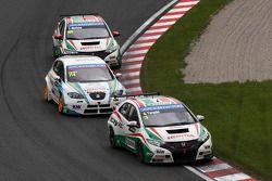 Gabriele Tarquini, Honda Civic, Honda Racing Team J.A.S. voor Pepe Oriola, SEAT Leon WTCC, Tuenti R