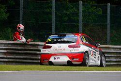 Hugo Valente, SEAT Leon WTCC, Campos Racing abandona a corrida