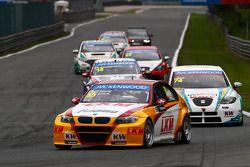 Darryl O'Young, BMW E90 320 TC, ROAL Motorsport voor Pepe Oriola, SEAT Leon WTCC, Tuenti Racing