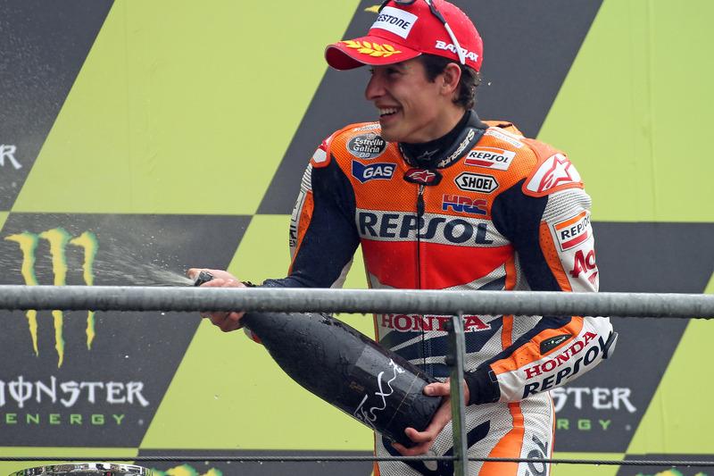 Satu-satunya pembalap yang selalu meraih podium pada empat balapan pertamanya di era MotoGP