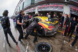 Pit stop #24 Walkenhorst Motorsport BMW Z4 GT3 (SP9): Henry Walkenhorst, Ralf Oeverhaus, Maximilian