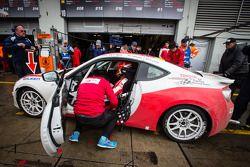 Pit stop #213 Toyota Swiss Racing Team Toyota GT86 (V3): Lorenz Frey, Peter Wyss, Mark Benz, Toni Bü