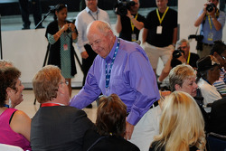 Jack Ingram wordt gefeliciteerd na zijn nominatie