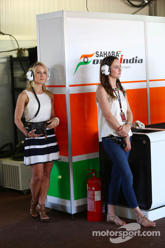 (L to R): Jennifer Becks, Sahara Force India F1 and Laura Jordan, Sahara Force India F1