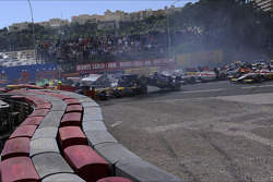 Start of the race, Crash, Tom Dillmann