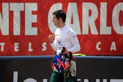 Start of the race, Crash, Alexander Rossi