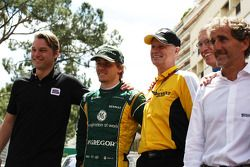 Charles Pic, Caterham, Carlos Tavares, COO da Renault e Alain Prost (FRA)