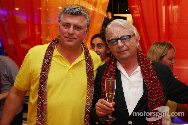 (L naar R): Otmar Szafnauer, Sahara Force India F1 Chief Operating Officer met Jan Mol, bij de Signature F1 Monaco Party