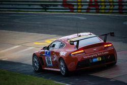 #6 Aston Martin Test Centre Aston Martin Vantage V12 (SP8): Mal Rose, Joachim Kern