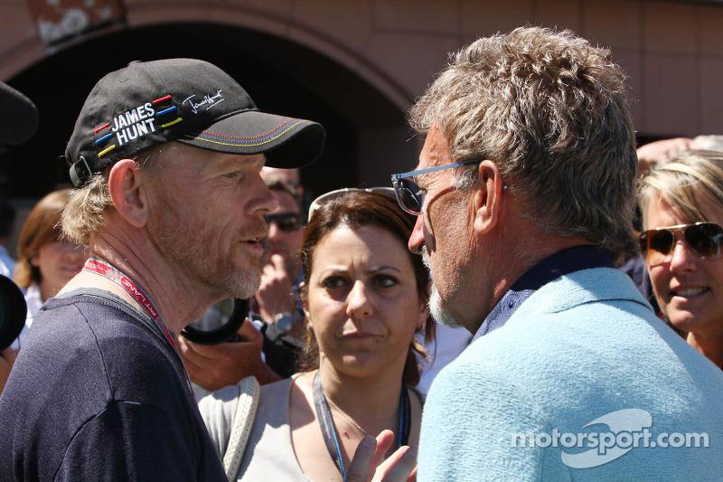 (L naar R): Ron Howard, Film Director met Eddie Jordan, BBC-expert