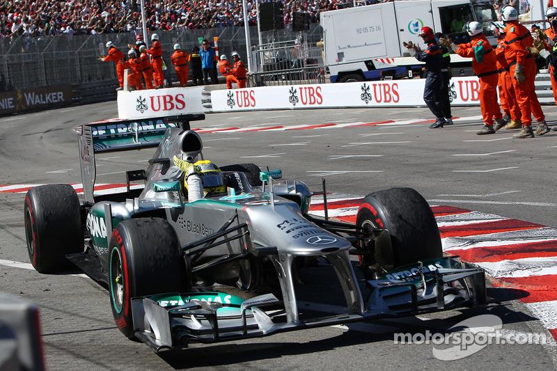 Mercedes, 2013: 171 pontos, duas vitórias, 6º no campeonato