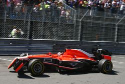 Jules Bianchi, Marussia F1 Team MR02 with a broken front wing
