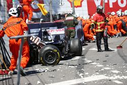 The damaged Williams FW35 of Pastor Maldonado, Williams after he crashed out of the race