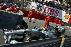 Nico Rosberg, Mercedes AMG F1 W04 passes the crash of Pastor Maldonado, Williams FW35, which stopped