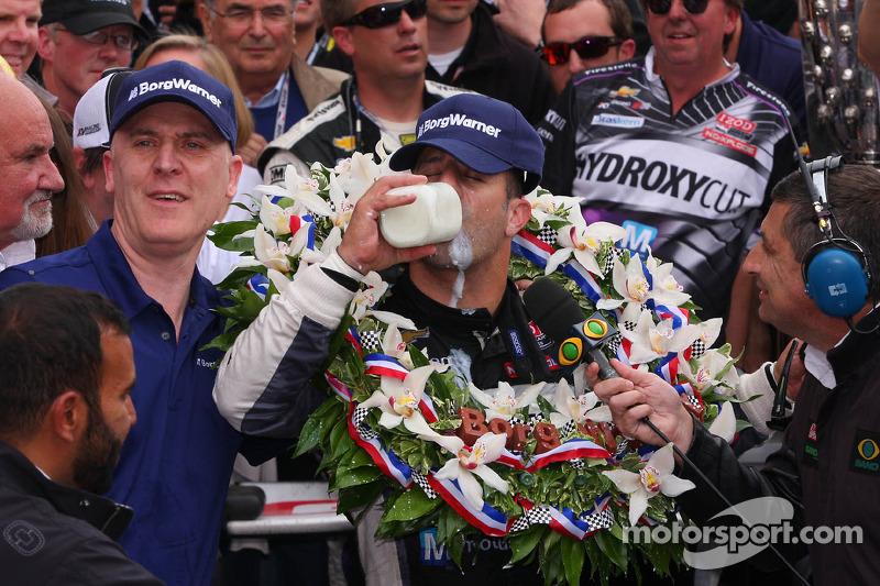 Ganador de la edición de 2013: Tony Kanaan, Dallara/Chevrolet