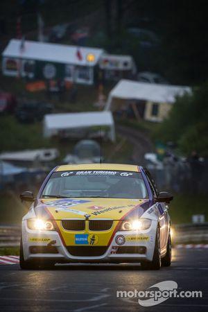 #205 Bonk Motorsport BMW 320 SI (V3): Axel Burghardt, Jürgen Meyer, Guy Stewart, Toshiya Ito