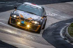#174 BMW E46 M3 (V6): Philippe Devesa, Dorothy Mitsuyami, Shogo Mitsuyama