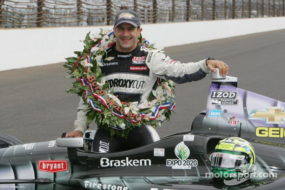 Race winner Tony Kanaan, KV Racing Technology Chevrolet celebrates