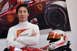 Kamui Kobayashi prueba una Ferrari F10