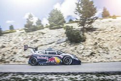 Себастьен Леб тестирует Peugeot 208 T16 Pikes Peak