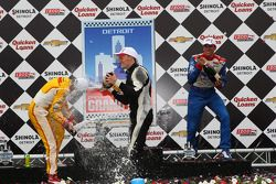 1er Mike Conway, Dale Coyne Racing Honda, 2e Ryan Hunter-Reay, Andretti Autosport, 3e Justin Wilson, Dale Coyne Racing Honda