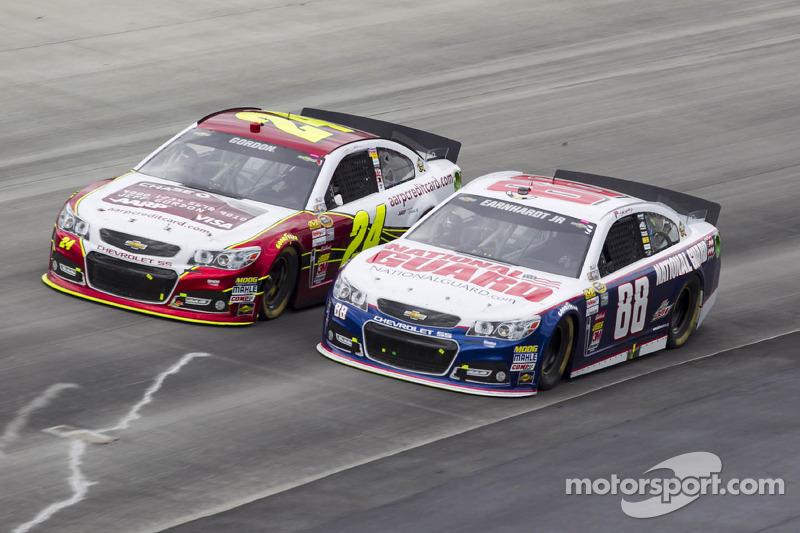 Dale Earnhardt Jr. en Jeff Gordon