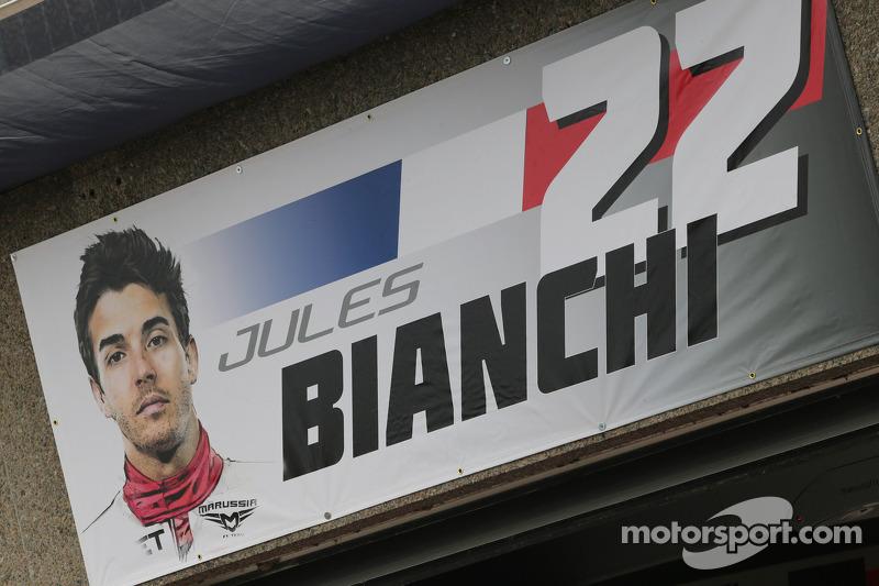 Pit garajı logo for Jules Bianchi, Marussia F1 Team