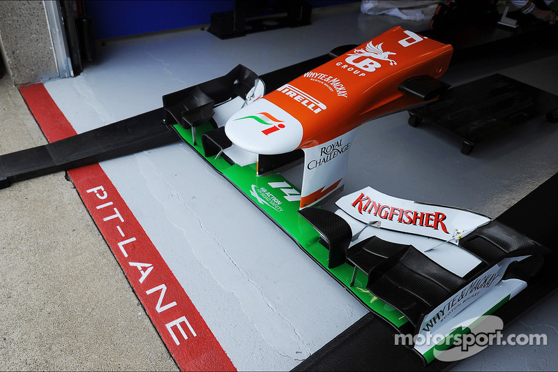 Sahara Force India F1 VJM06 nosecone in the pit lane