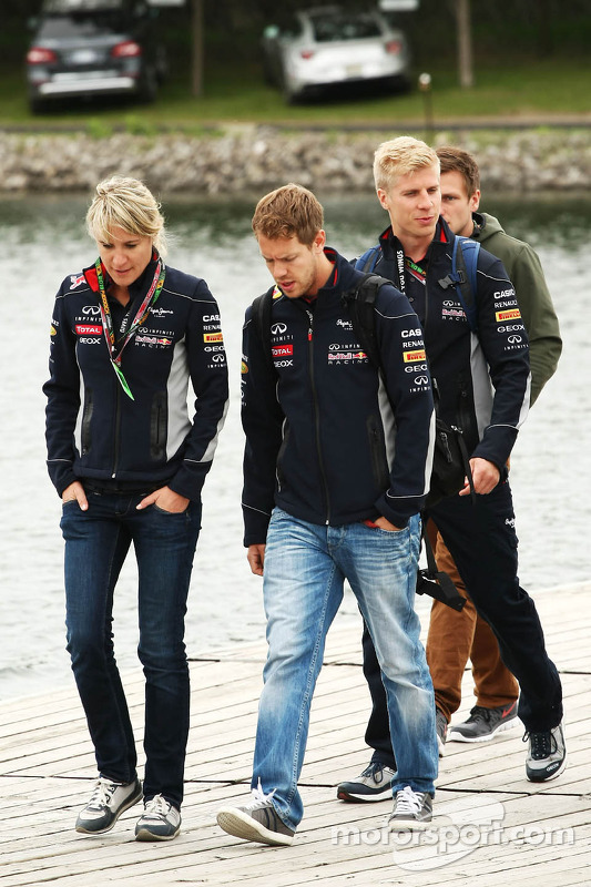 Sebastian Vettel, Red Bull Racing met Britta Roeske, Red Bull Racing Press Officer