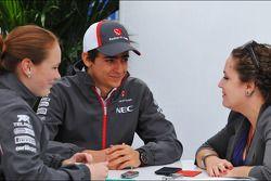 Nico Hulkenberg, Sauber with Kate Walker, Journalist