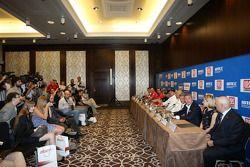 Persconferentie, Marcello Lotti, WTCC General Manager