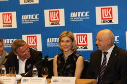 Persconferentie, Marcello Lotti, WTCC General Manager, Ekaterina Beltsevich, Circuit Project Manager