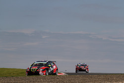 Robert Huff, SEAT Leon WTCC, ALL-INKL.COM Munnich Motorsport e Marc Basseng, SEAT Leon WTCC, ALL-INK
