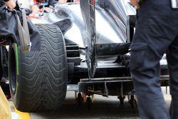 Jenson Button, McLaren MP4-28 rear wing