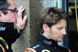 Romain Grosjean, Lotus F1 Team with Eric Boullier, Lotus F1 Team Principal