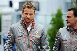 (L to R): Jenson Button, McLaren with Gary Paffett, McLaren Test Driver