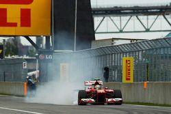 Felipe Massa, Ferrari F138 locks up under braking