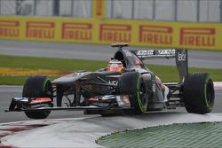 Nico Hulkenberg, Sauber C32 despega en la última chicana