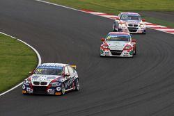 Tom Coronel, BMW E90 320 TC, ROAL Motorsport voor Mehdi Bennani, BMW E90 320 TC, Proteam Racing