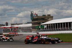 Valtteri Bottas, Williams FW35 en Jean-Eric Vergne, Scuderia Toro Rosso STR8