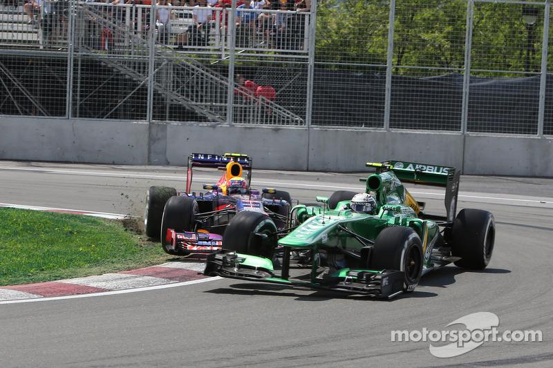 Mark Webber, Red Bull Racing and Giedo van der Garde, Caterham CT03 crash