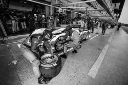 #1 Audi Sport Team Joest Audi R18 e-tron quattro: Marcel Fässler, Andre Lotterer, Benoît Tréluyer